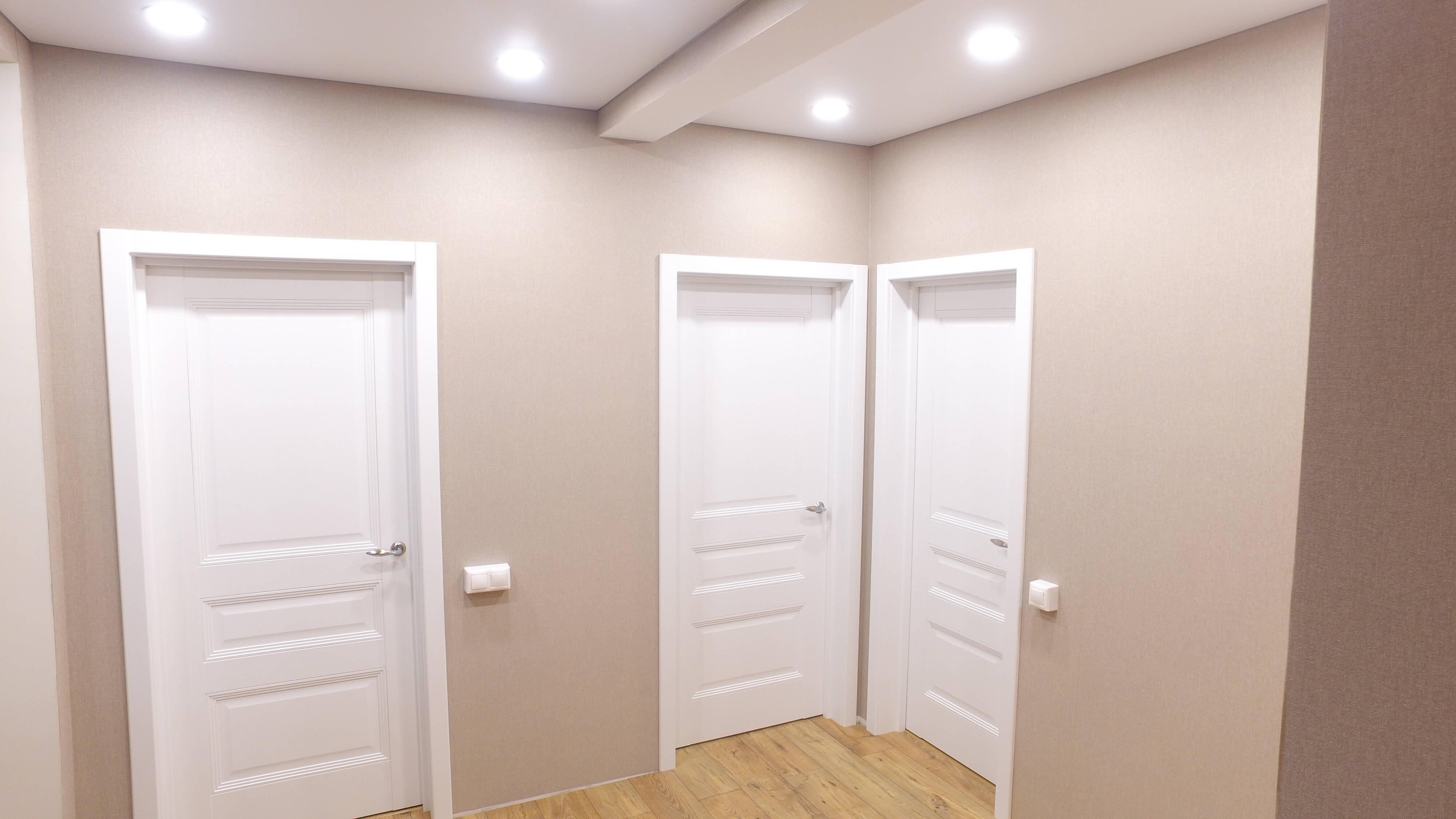 монтаж дверей в доме из сип панелей